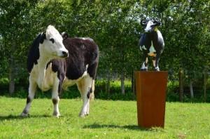 Skellerns Artwork - Cow Sculpture